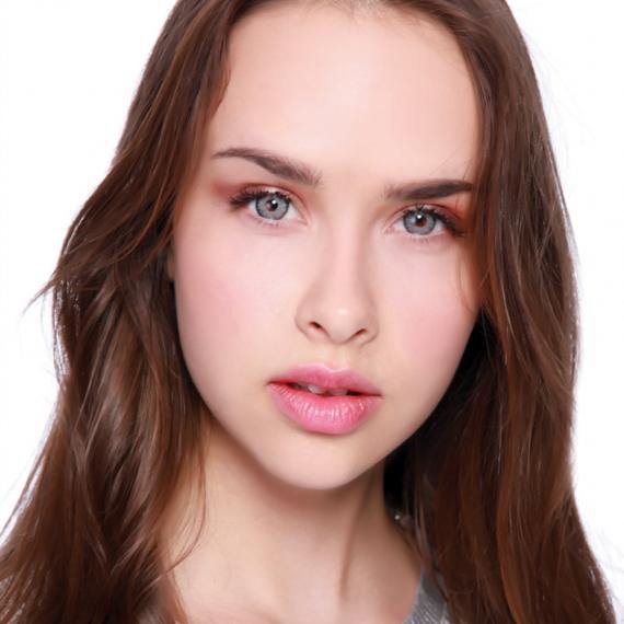 Hypnose Miranda Gray Renkli Kozmetik Lens 2. Manken