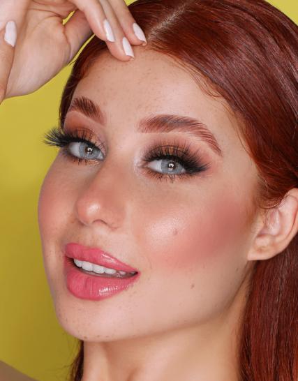 Hypnose Adriana Lens